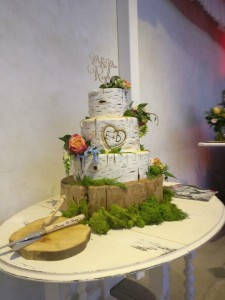 wedding log cake 2509